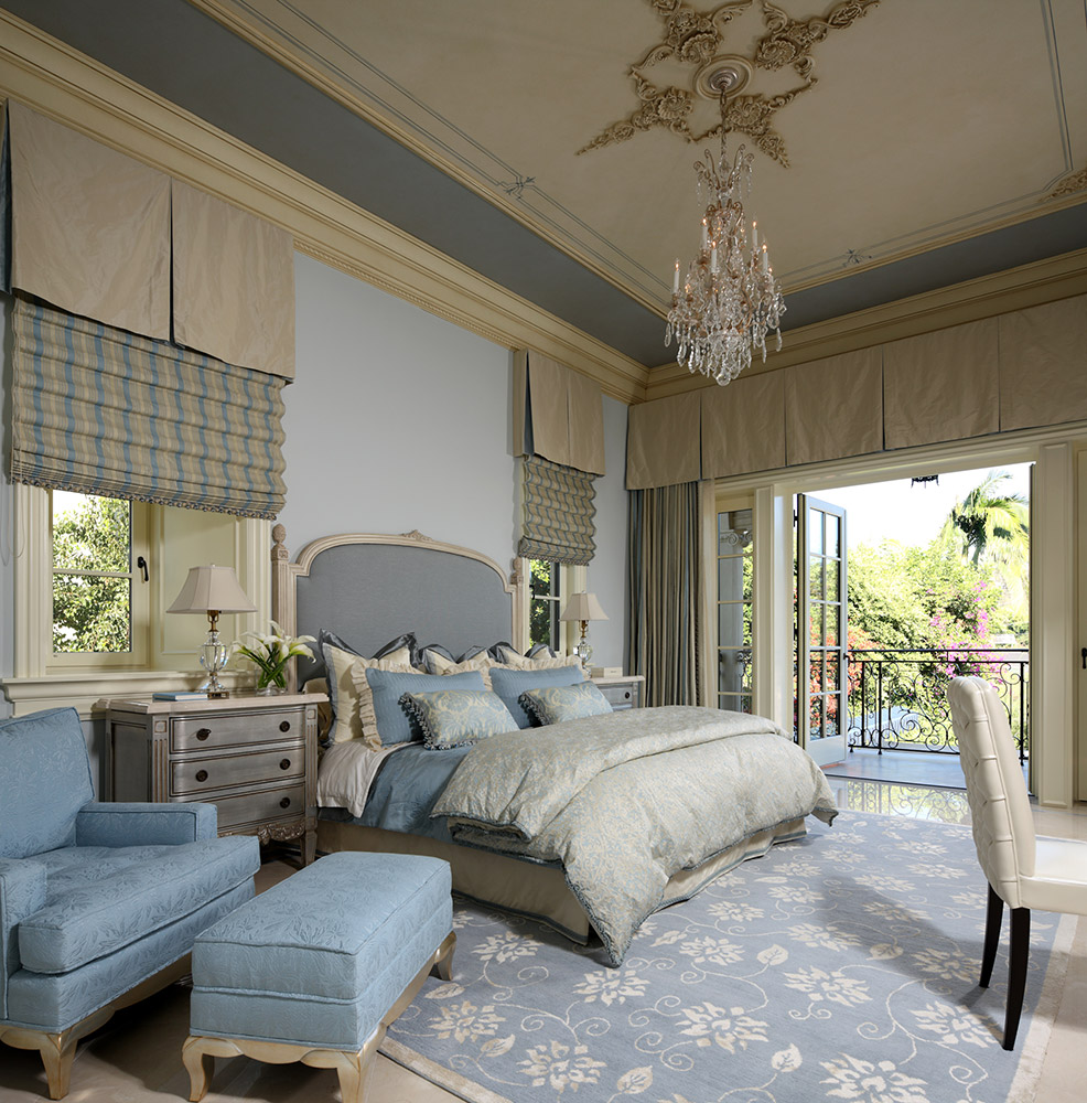 Beverly Hills Guest Bedroom - Jennifer Bevan Interiors