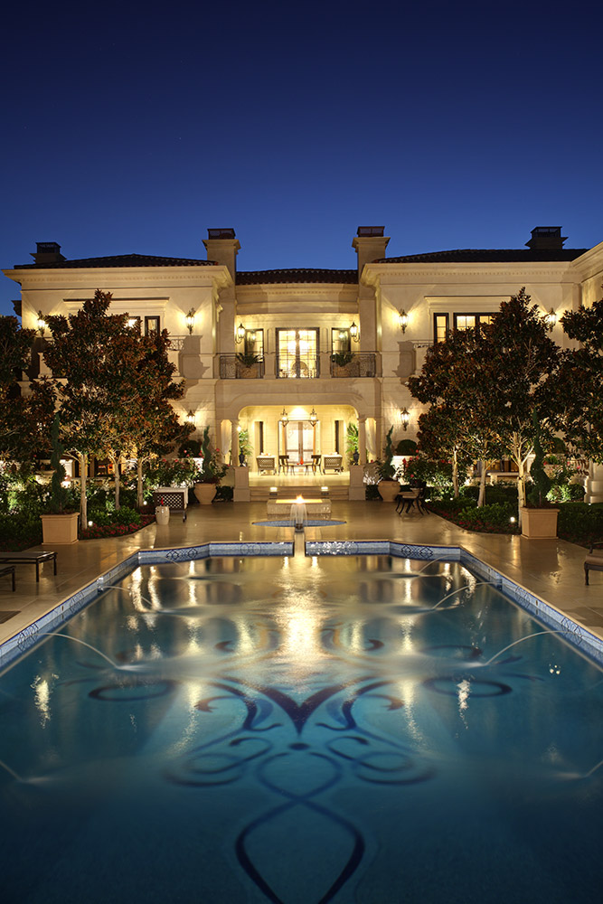 Beverly Hills Exterior - Jennifer Bevan Interiors