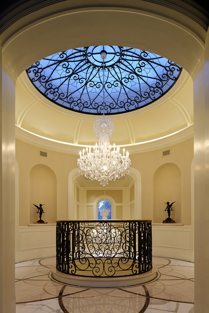 Beverly Hills Rotunda - Jennifer Bevan Interiors