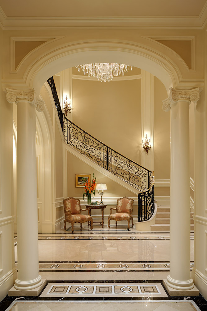 Beverly Hills Staircase - Jennifer Bevan Interiors