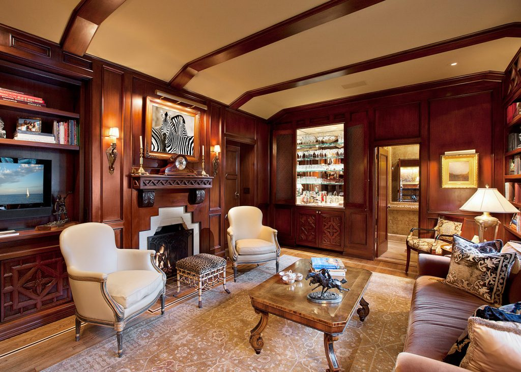 Montecito Family Room - Jennifer Bevan Interiors