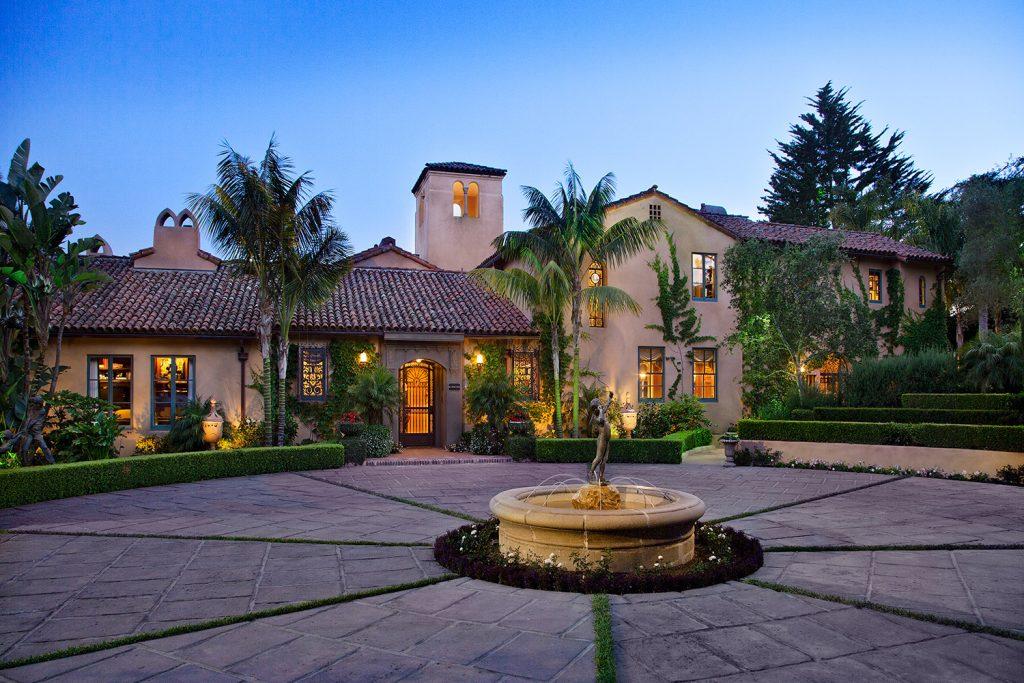 Montecito Front Exterior - Jennifer Bevan Interiors