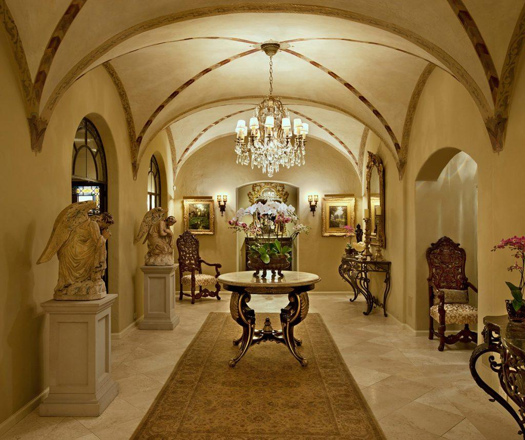 Montecito Hallway - Jennifer Bevan Interiors