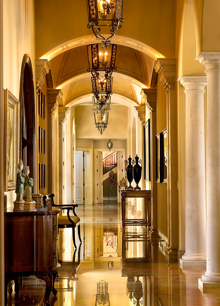 Santa Barbara Hallway - Jennifer Bevan Interiors